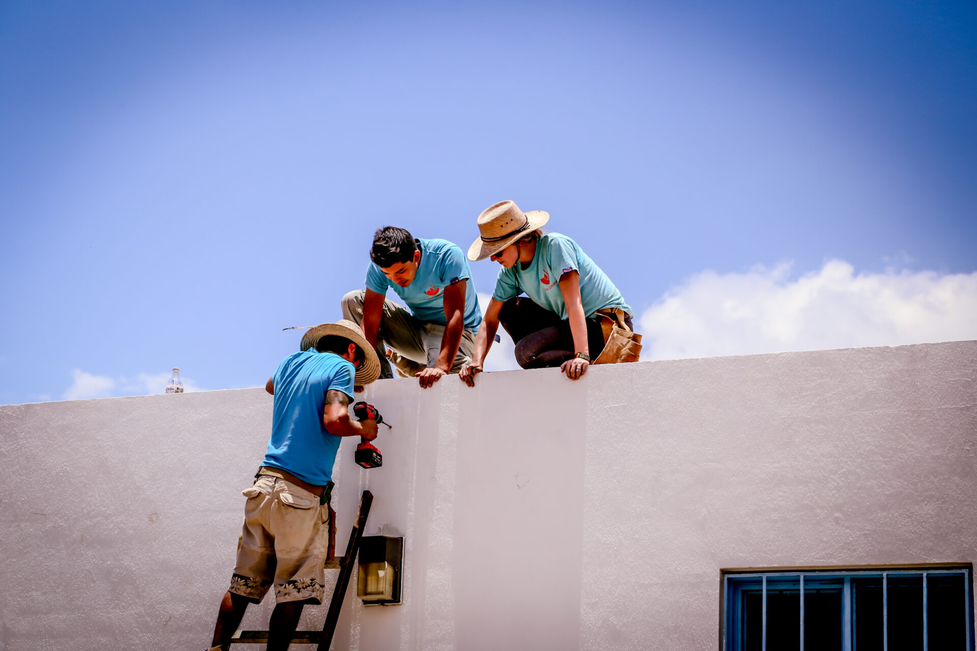 Installing a system_ Jalisco_Mexico_Credit Cate Cameron