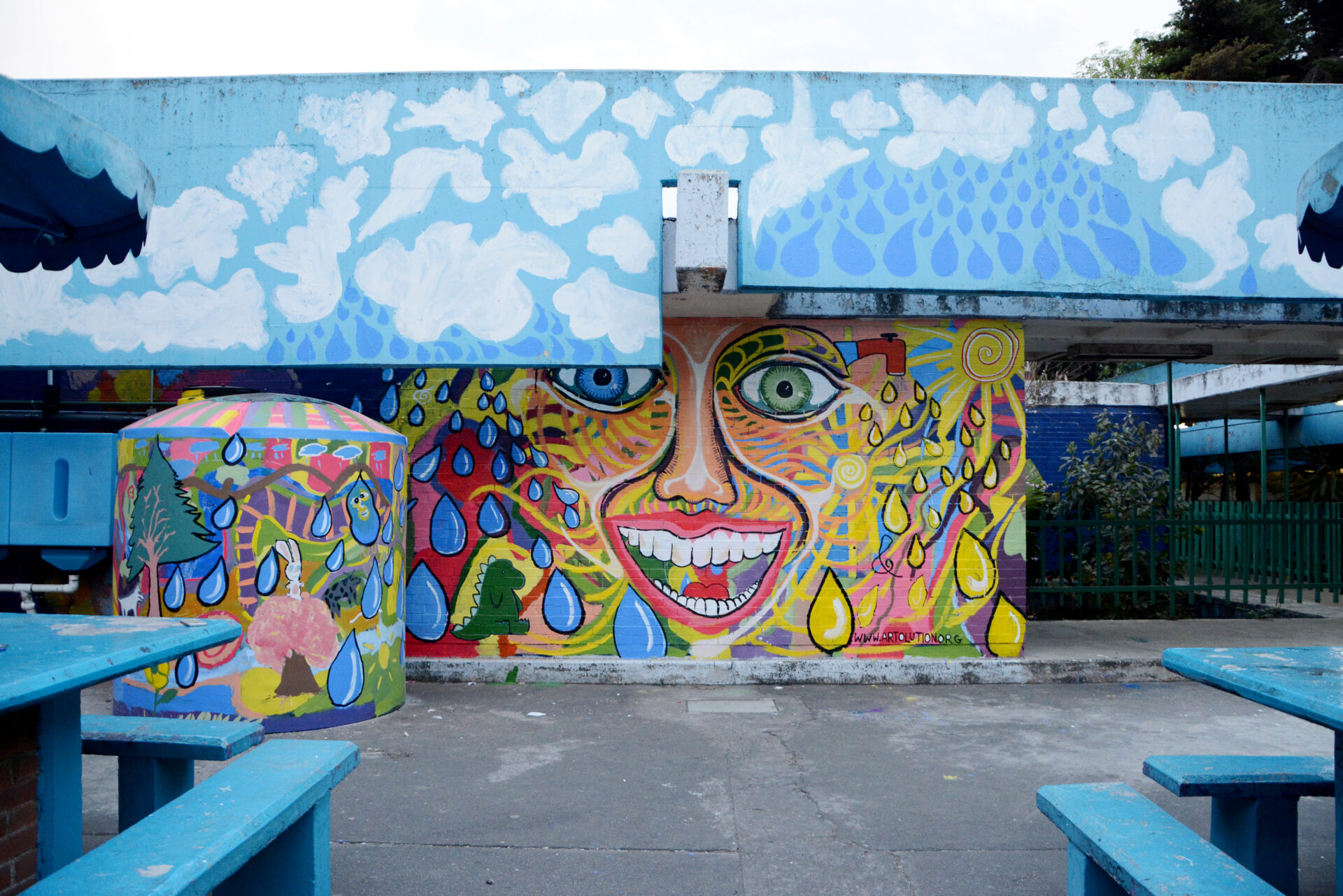 Water Culture Program_School system in Mexico City_Community Mural by Artolution Max Frieder_ Credit Isla Urbana