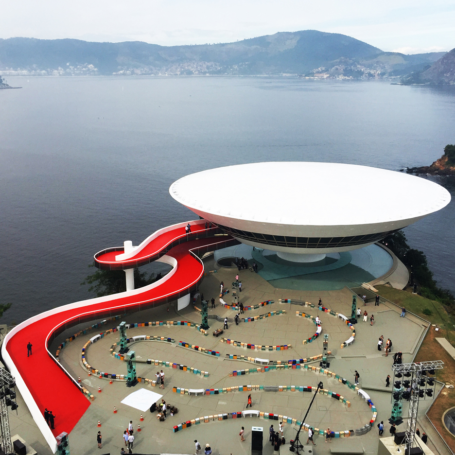 louis-vuitton-cruise-show-Es-Devlin-fashion-Niemeyer-Niteroi-museum_dezeen_SQ